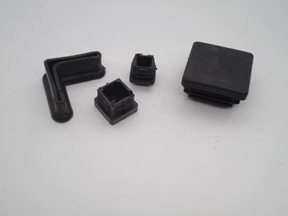 תמונה של רגלית פלסטיק 30/30 מרובע